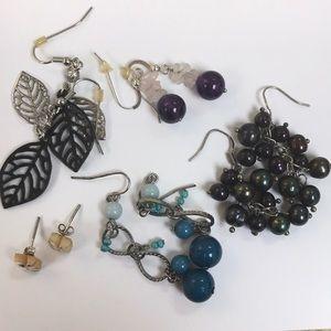 Bundle of 5 pairs of earrings!